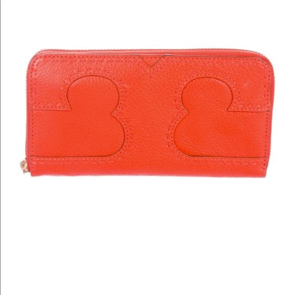 Tory Burch Handbags - New Tory Burch T continental wallet
